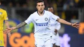 Arturo Vidal Datang, Inter Milan Bakal Lepas Matias Vecino ke Napoli