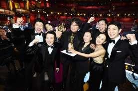 Sutradara Film Parasite Bong Joon Ho Masuk 100 Orang Paling Berpengaruh 2020