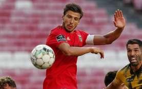 Bursa Transfer Liga Inggris: ManCity Dapatkan Bek dari Benfica