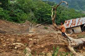 Update Longsor Tarakan, 11 Orang Meninggal, 19 Unit Rumah Rusak