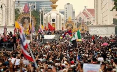 Demo Ricuh, PM Thailand Serukan Tindakan Tegas terhadap Demonstran