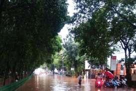 Cuaca Jakarta 20 Oktober, Hujan Disertai Kilat pada Malam Hari