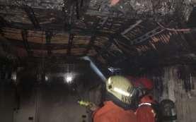 Kebakaran Pasaraya Manggarai Dijinakkan 14 Mobil Pemadam. Api dari Panel Listrik Basement