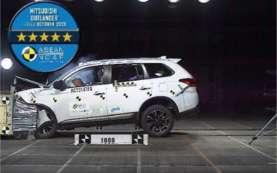 Aman! Mitsubishi Outlander Nonhibrida Raih Bintang 5 Asean NCAP