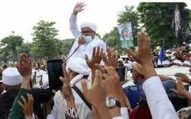 Massa Berbaju Putih Geruduk Rumah Mahfud, Polisi: Terkait Pemeriksaan Rizieq Shihab