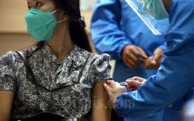 Moeldoko Bahas Persiapan Vaksinasi dengan Ridwan Kamil