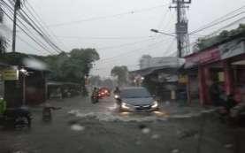 Surabaya Terendam Banjir, Air Masuk ke Rumah Warga