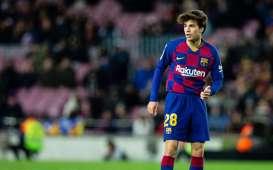 Milan Bidik Gelandang Barcelola Riqui Puig dengan Status Pinjaman