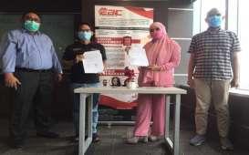 Bantu Sektor UMKM, Ayam Geprek Jameela Gandeng OK OCE