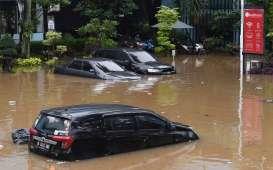 Cara Mengatasi Mobil yang Terendam Banjir