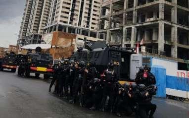 Pasukan Gegana Brimob Polri Latihan Perang Kota Skala Besar di Meikarta