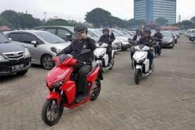Sandiaga Uno Jajal Motor Listrik Gesits: Cocok Buat Eco Tourism