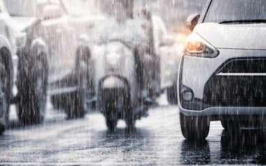 Cuaca Jakarta Hari Ini, Waspada Hujan Petir dan Angin Kencang di Siang Hari