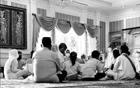 Adiguna Sutowo Meninggal, Dian Sastrowardoyo: Selamat Jalan Papa