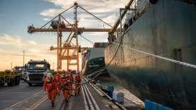 Pelindo III : Selama Idul Fitri, Pelabuhan Tetap Beroperasi