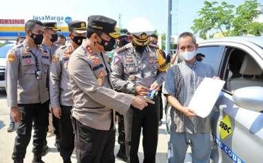 Virus Corona Mengganas, 6 Desa di Kudus Dijaga Pasukan Brimob