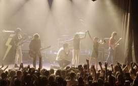 The Strokes Gelar Konser Indoor dengan Penonton Divaksin