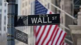Mengawali Pekan, Wall Street Kompak Melemah Menanti Sinyal The Fed