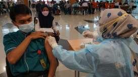 Dua Ribu Petugas dan Komunitas Bandara Juanda Jalani Vaksinasi Covid-19 Dosis Kedua
