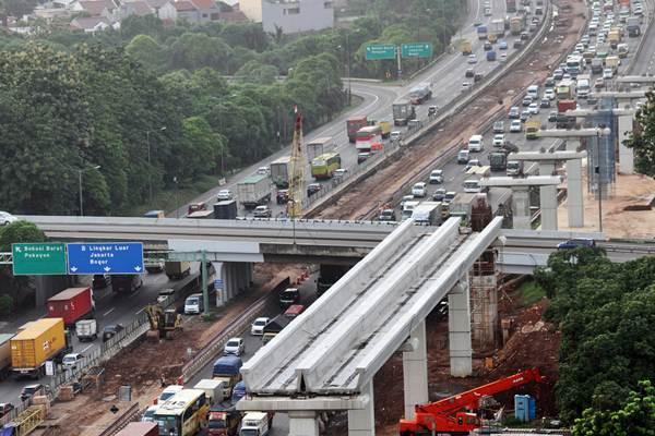 Pembangunan Jalan Tol Jakarta-Cikampek Dihentikan Sementara
