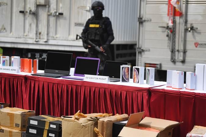 Kasus Penyelundupan Barang Elektronik Ilegal - Bisnis.com