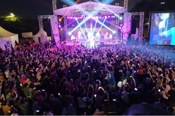 Penutupan Indonesia Cashless Society (ICS) Fair 2019 Berlangsung Meriah Dengan Penampilan Dari Group Band KAHITNA