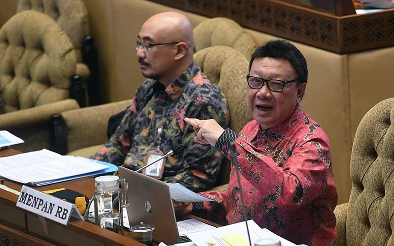 Komisi II DPR Raker Dengan Menpan RB Tjahjo Kumolo Untuk Evaluasi Kinerja