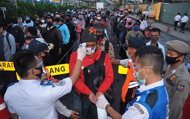 Pemerintah Terjunkan 150 Bus Untuk Angkut Penumpang KRL dari Bogor