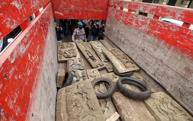 Polresta Kediri Berhasil Membekuk Pencuri  25 relief pada 8 Makam Kuno Tionghoa di Pegunungan Klotok