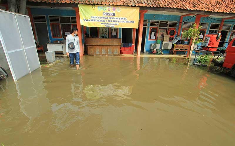 Kantor BPBD di Indramayu Terendam Banjir Akibat Tingginya Curah Hujan