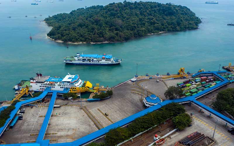 Pelabuhan Merak Hentikan Pelayanan Penyebrangan Bagi Pemudik