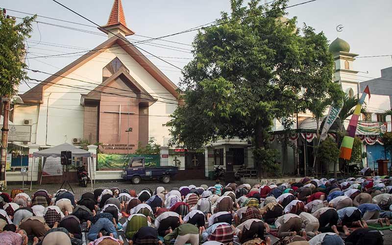 Gereja di Solo Mentiadakan Kebaktian Pagi Karena Halamannya Digunakan Salat Idulfitri