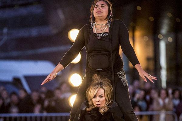 Asha Rani, wanita kuat - dailymail.co.uk