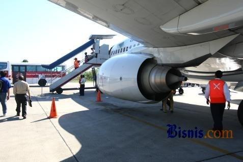 /Penutupan Bandara Husein Sastranegara Diperpanjang Hingga Minggu (16/2 - 2014)