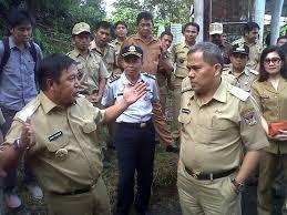 Bupati Minahasa Jantje Sajo - okemanado.com