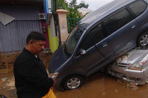 Manado saat banjir bandang - Antara