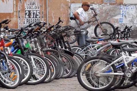 Biasanya saat hari raya penjualan sepeda bekas meningkat tajam.  - bisnis.com