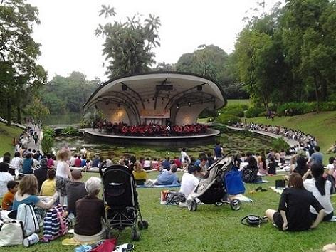 Rindu saat rakyat dapat secara bebas menyaksikan seni-seni berkualitas yang tampil di taman kota.  - bisnis.com
