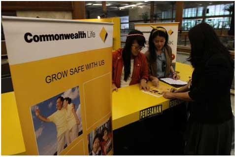 Hingga akhir 2013, tenaga pemasar Commonwealth Life telah mencapai 10.000 orang yang melayani lebih dari 500.000 nasabah baik individu dan kumpulan.  - bisnis.com