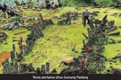 Peradaban di Situs Gunung Padang lebih tua dari peradaban Mesopotamia dan Pyramid Giza di Mesir.  - bisnis.com
