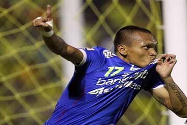 Pemain Persib Bandung Ferdinand Sinaga - Twitter @PersibOfficial