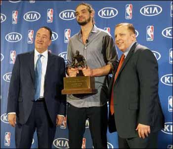 Noah saat menerima penghargaan/nbacom - created YUS