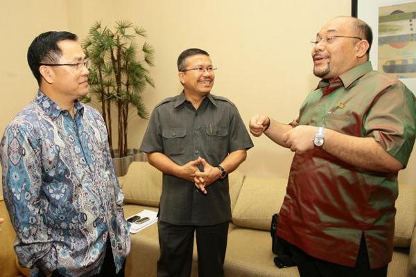 Ketua Umum DPP Realestat Indonesia (REI) Eddy Hussy (kiri) - JIBI