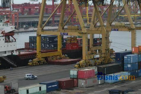 Kegiatan ekspor & impor di pelabuhan - Bisnis.com