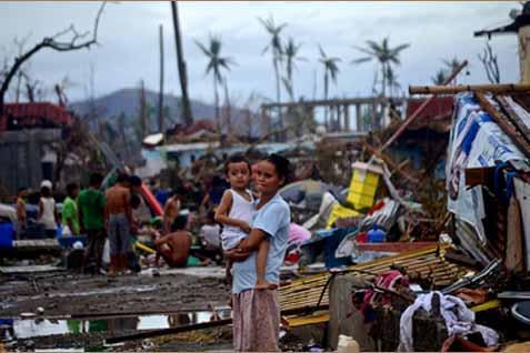 Korban topan Haiyan di Filipina. - Bloomberg