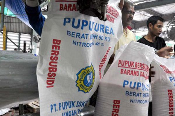 Pupuk bersubsidi. Pengadaan untuk petani bisa melalui pasar bebas - JIBI