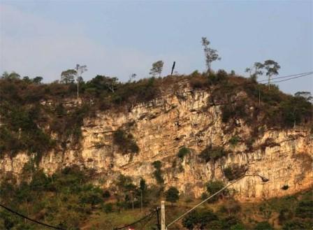 Gunung kapur Citatah, Bandung Barat - belantaraindonesia.org