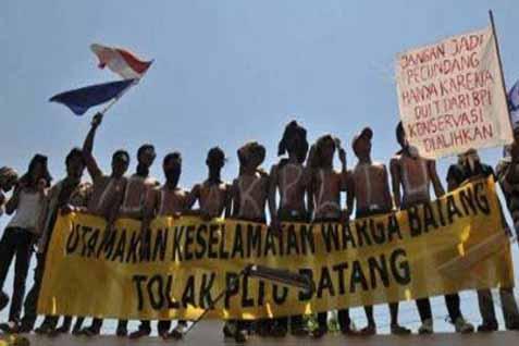 Ilustrasi-Aksi menentang pembangunan PLTU Batang. - Antara