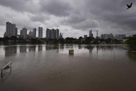 Banjir Kanal Barat - Bisnis.com