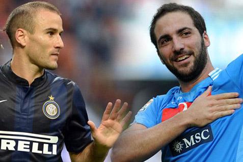 Pose pemain Inter Milan dan Napoli/Mereka bermain draw 0-0 - Goal